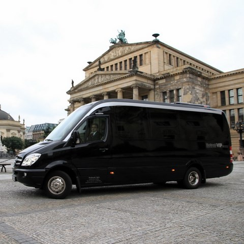 Small Coach Berlin City Tour
